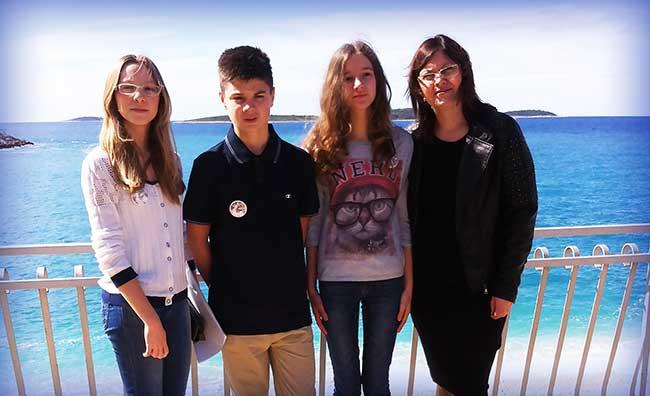 Ema, Marko i Elena s mentoricom