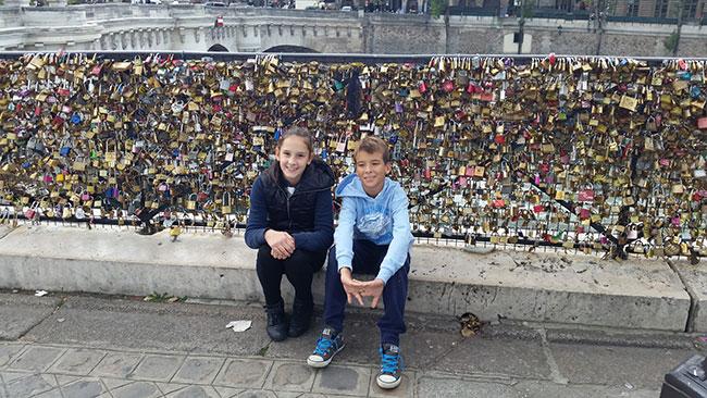 Most umjetnosti na koji svi zaljubljeni stavljaju lokote sa svojim imenima