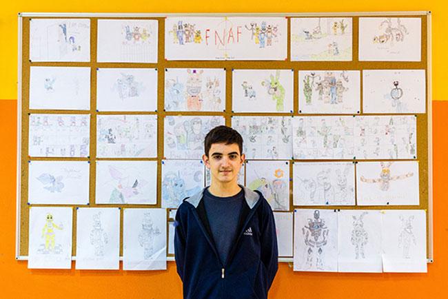 Tomislav ispred svojih stripova