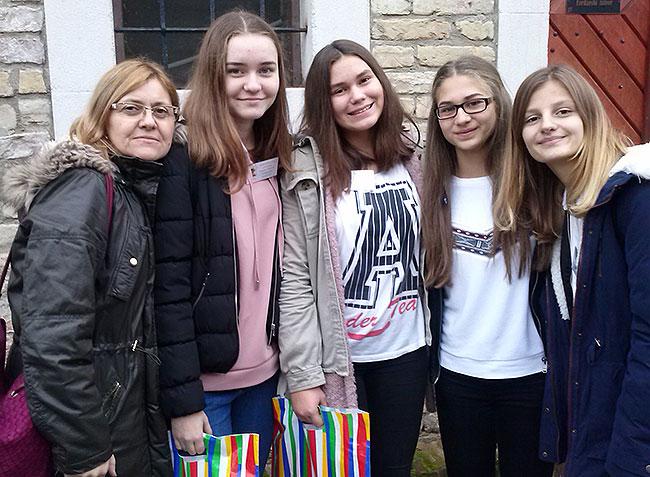 Prof. Marija Matić, Nika Grgić, Ena Majić, Sandra Bohm i Rea Anabela Kolar
