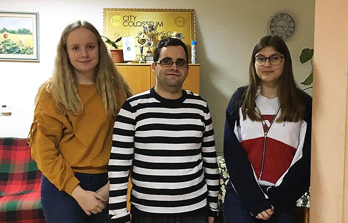 Lav s novinarkama malog Gorana